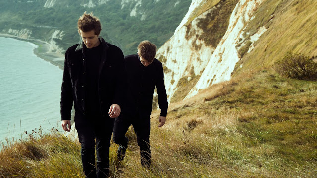 Aquilo release new live video for 'Better Off Without You' and announce upcoming shows.
